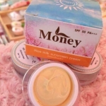 Rice milk sunscreen cream by Money ครีมกันแดดน้ำนมข้าว มันนี่ เนื้อใยไหม