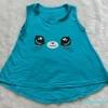 Gap kids : เสื้อกล้ามลายแมว สีเขียว นะคะ ผ้านิ่มเด้ง