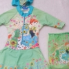 Disney : ชุดว่ายน้ำบอดี้สูทลาย Frozen สีเขียว ซิปหน้า พร้อมหมวกและ ถุงผ้า (งานลิขสิทธิ์) Size : XS (3-4y)