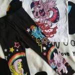 Set เสื้อสีขาว Pony + เลกกิ้ง ดำ size : 6-8y