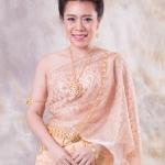 เช่าชุดแต่งงาน &#x2665 ชุดไทยเจ้าสาว สไบผ้าเนื้อบางพริ้ว เกล็ดทองเล็ก สวยหวาน ซิ่นจับหน้านางระบาย 9 ชั้น - สีโอโรส