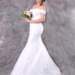 เช่าชุดแต่งงาน &#x2665 ชุดแต่งงาน ชุดชุดเจ้าสาว ลูกไม้ฝรั่งเศล ไหล่ปาด กระโปรงเกล็ด หางปลา