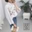 Oct TOP เสื้อเชิ้ตสีขาว ปักลายดอก thumbnail 4