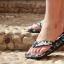 พร้อมส่งฟรี ลงทะเบียน รองเท้าแตะลายพราง นวดกดจุดเพื่อสุขภาพ สีเทา thumbnail 4