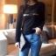 เสื้อยืดแฟชั่นสกรีนลาย คลาสสิค สีดำ
