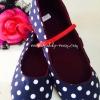 (เด็กโต) รองเท้าสีน้ำเงินเข้ม ลาย Polka Dot งาน made in thailand มีสายคาดเล็กๆติดกับรองเท้า พื้นกันลื่น น่ารักสุดๆ ใส่ได้ทุกโอกาสค่ะ size 24-27
