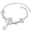 Romantic Silver Rose Bracelet สร้อยข้อมือรูปดอกกุหลาบสีเงินแต่งคริสตัล สไตล์สุดหรู พร้อมถุงกำมะหยี่สีดำ