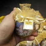 A 117 แก้วกาแฟลายดอกขอบทองขนาด 6*6 ซม. แพ็คถุงฟูกากเพชร