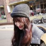 หมวกไหมพรมแฟชั่นเกาหลีพร้อมส่ง ทรงดีไซต์เก๋  หมวกสีเทา แต่งกำบังด้านหน้า มีสายห้อยยาว 2 ข้าง