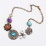 Vintage Flower Necklace สร้อยคอวินเทจรูปดอกไม้แต่งคริสตัลหลากสี