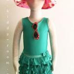 ็ึH&M เดรสผ้ายืดแขนกุด กระโปรงระบายเป็นชั้น สีเขียวสดใส ผ้านิ่ม น่ารักสุดๆ ค่ะ size 2-4, 2-6, 6-8