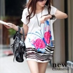 เสื้อผ้าแฟชั่นสไตส์เกาหลี เสื้อเดรสตัวยาวทรงค้างคาว สีขาว ลายผีเสื้อสีชมพู +พร้อมส่ง+