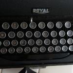 เครื่องพิมพ์ดีดroyal