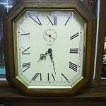 นาฬิกาควอทซ์8เหลี่ยมอเมริกา ไม้แท้ 2เข็มครึ่ง  รหัส13556wc