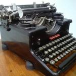 เครื่องพิมพ์ดีด torpedo  รหัส29657tw1