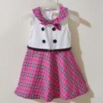 Burberry London ชุดกระโปรงสีชมพูบานเย็น ช่วงบนสีขาว คอแต่งเป็นผ้าผูกกันน่ารักๆ ติดกระดุมเก๋ๆตรงกลาง พร้อมเข็มขัดขาดเอว ใส่ขึ้นมาน่ารักมากมายค่ะ size 80-120