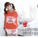 เสื้อผ้าแฟชั่นสไตส์เกาหลี  เสื้อยืดแขนสั้นสีส้ม  พร้อมกางเกงขาสั้นสีขาว   +พร้อมส่ง+