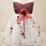 ชุดเดรสสำหรับผู้หญิงที่จะใส่ไปงานแต่งงาน