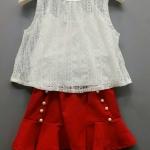 ชุดเซ็ทเสื้อลูกไม้แขนกุดสีขาว กระโปรงแดงสดใสแต่งมุกขาว มีเสื้อกล้ามตัวในด้วยน๊า น่ารักว๊ากกก size 5-13