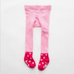 ถุงน่องสีชมพูสำหรับอายุ. (ประมาณ 2-3 ปี) ราคา 190 บาท