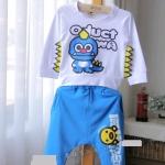 ชุดเซ็ทหนุ่มน้อย เสื้อแขนยาวสีขาวลาย QiQiWa ด้านข้างมีปีกหยักๆ + กางเกงสีฟ้า งานสวย คุณภาพดี น่ารักมากค่ะ size 5-13