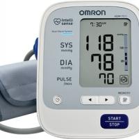 อุปกรณ์ตรวจสุขภาพ เช่น เครื่องวัดความดัน ปรอทวัดไข้
