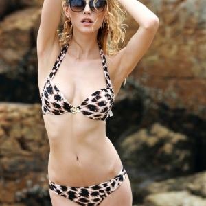 VS Sexy Leopard Bikini Set ชุดว่ายน้ำสุดเซ็กซี่สไตล์ชุดบิกินี่ผ้าสแปนเด็กซ์ลายเสือดาว ไซส์ M-L
