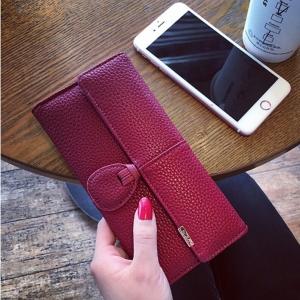 Classic Day Clutch Wine Red Wallet กระเป๋าสตางค์ทรงยาวสีแดงไวน์ แบบเรียบหรู