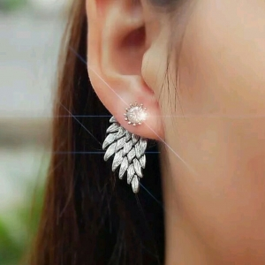 ต่างหูปีกนางฟ้าสีเงินแต่งคริสตัล Angel Wing Crystal Earing
