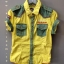 เสื้อเชิ้ตแขนสั้นสีเหลือง แต่งผ้าสีเขียวตรงกระเป๋า บ่า และแขน แนวเกาหลี เข้ารูปนิดๆ จะพับแขนหรือปล่อยก็เท่ห์ที่ซู๊ด ^^ size 4-14 ( 4-12 ปี) thumbnail 1