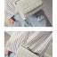 กระเป๋าสะพายข้าง ขนาดกระทัดรัด เรียบๆ สุภาพ เข้ากับทุกงานเทศกาล thumbnail 4