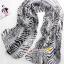 ผ้าพันคอผ้าPolyester+ผ้าไหม ลายม้าลายสีดำเทา ( รหัส P118 ) thumbnail 1