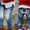 hunazhu kids กางเกงยีนส์เด็ก ตกแต่งด้วยกระเป๋าด้านหลังเทห์ๆ สไตล์เกาหลี