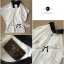 Lady Ribbon เสื้อเปิดไหล่ผ้าชีฟอง พร้อมเข็มกลัดดอกไม้และโบว์สีดำ thumbnail 9